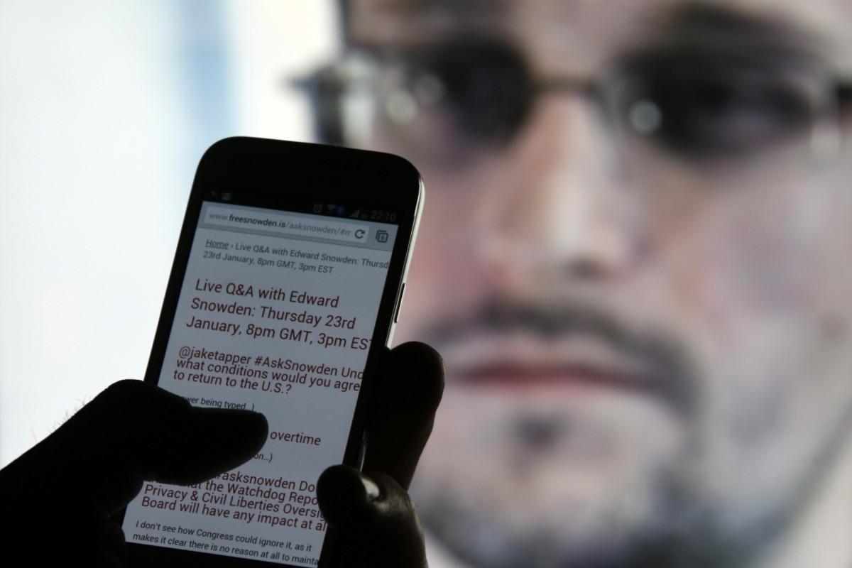 Гар утсаар нь бусдыг хэрхэн тагнадгийг Эдуард Сноуден дэлгэрэнгүй тайлбарлав