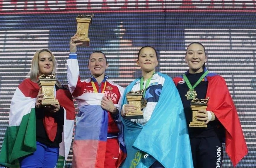 Д.Оюун-Эрдэнэ Mas-wrestling-гийн ДАШТ-ээс хүрэл медаль хүртжээ