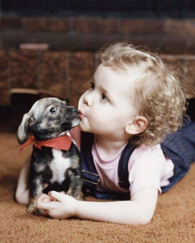 Хүүхэд нохой хоёр фото