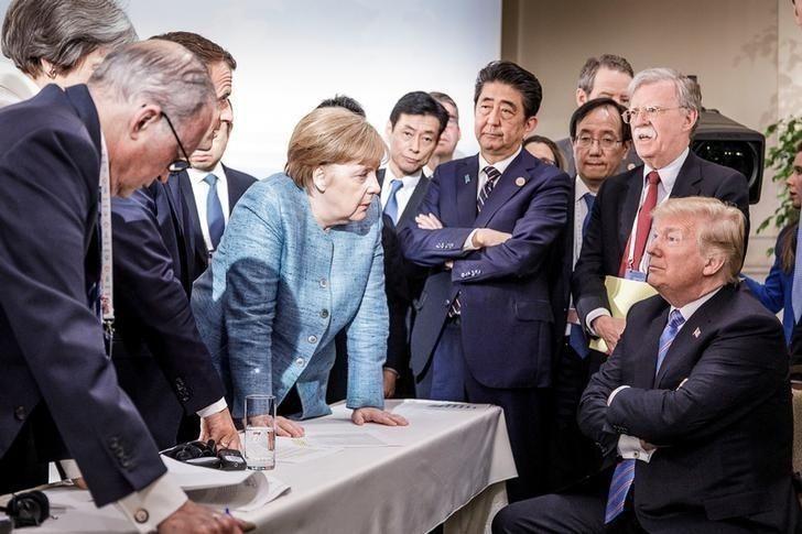 """Дональд Трамп: """"Мөнгө төлдөггүй"""" Герман улсаас цэргээ гаргана"""