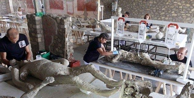2000 жилийн өмнө амьдарч байсан 86 чулуужсан цогцос олжээ