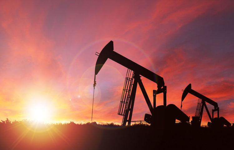 Оманы буланд хоёр танкер халдлагад өртөж, газрын тосны үнэ огцом өсөв