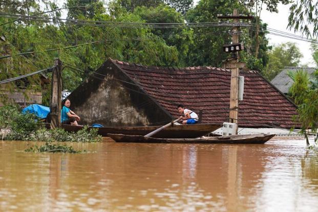 Вьетнамд нүүрлэсэн үерийн аюулын уршгаар 21 хүн амь насаа алджээ