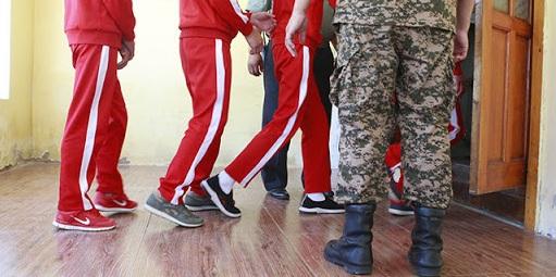 Эрэгтэй хүүхдүүд нэгнээ бэлгийн хүчирхийлэл үйлдсэн гэх хоёр хүүхдийг хорих 461 дүгээр ангид саатуулагдаж байна