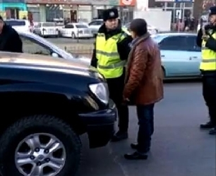 Бичлэг: МАХН-ын хурган дарга Ч.Чимэдсүрэн цагдаад томорлоо