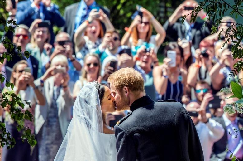 Хунтайж Харри ба Меган Маркл нар Их Британийн хатан хааны гэр бүлээс хараат бус амьдарна