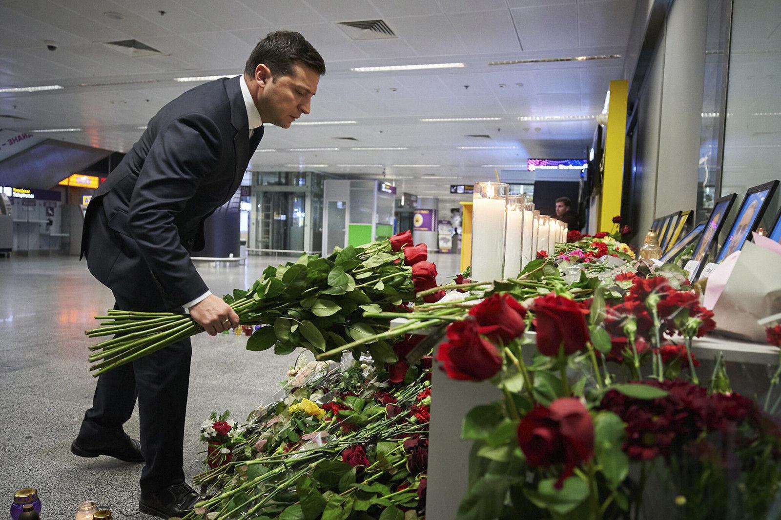 Украин улс онгоцны ослын хохирлыг барагдуулахыг Иранаас хүсжээ